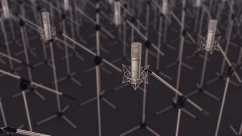 Viele professionelle Mikrofone in einer Reihe 4k