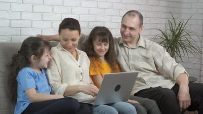 Parents with Daughters By Notebook