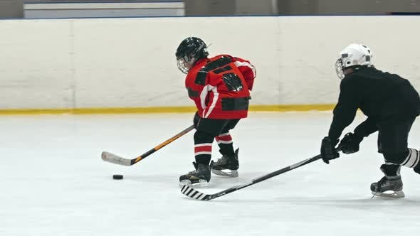Cover Image for Junior Hockey