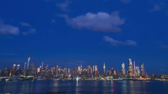 Thumbnail for New York City Skyline at Sunset