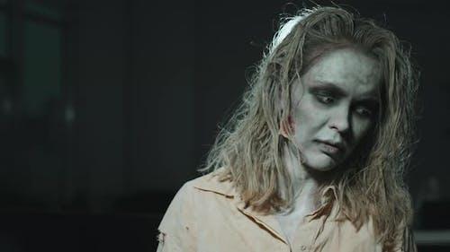 Zombie-Frau Por