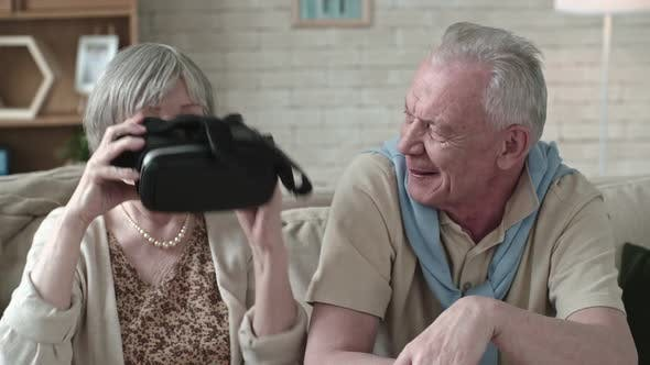 Cover Image for Laughing Seniors Experiencing Virtual Reality