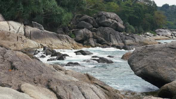 Thumbnail for Waves Breaking on Rocks