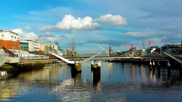 Thumbnail for River Liffey in Dublin.