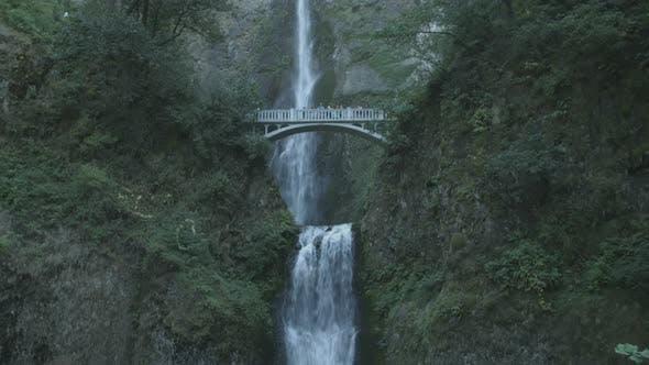 Thumbnail for Multnomah Falls, USA