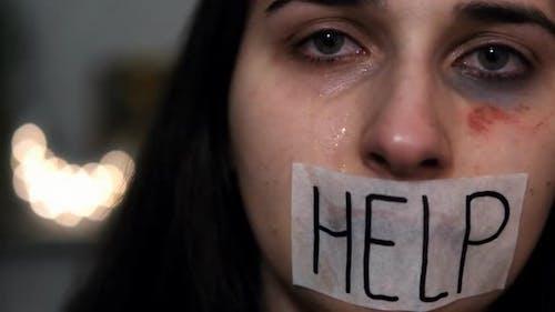 Frau Opfer häuslicher Gewalt