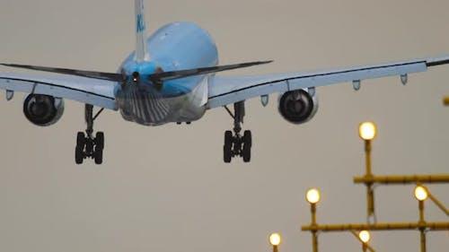 Verkehr am Flughafen von Amsterdam