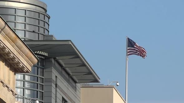 Berlin City - USA Flagge - Botschaft Gebäude