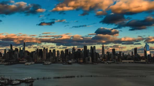 Thumbnail for New York City Skyline With Moving Clouds