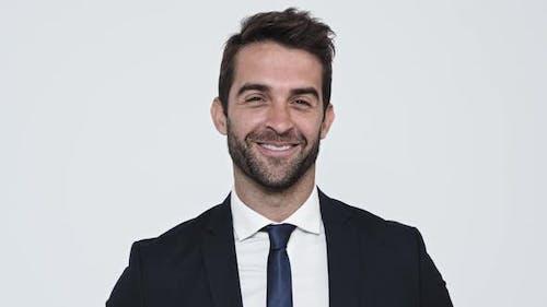 Homme d'affaires souriant