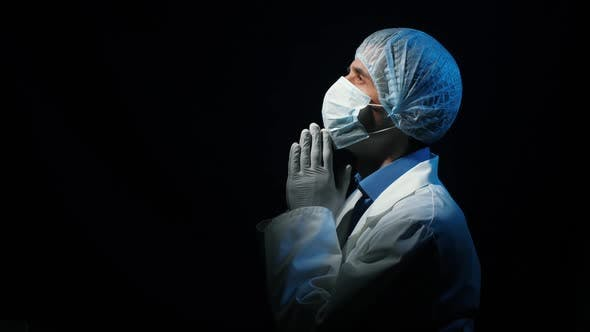 Cover Image for Doctor Praying at the Dark Room