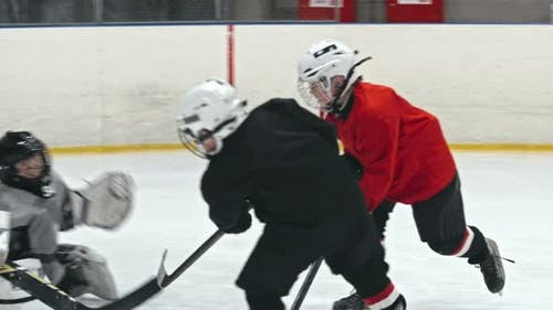 Kids Ice Hockey