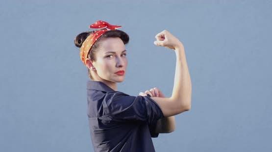 Wir können es schaffen Pop Art Starke Frau zeigt Frauenpower mit einer Faust