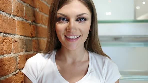 Vue Webcam, Chat Vidéo par Jeune Femme, Loft