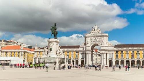timelaspe of commerce square - Parça do commercio in Lisbon - Portugal