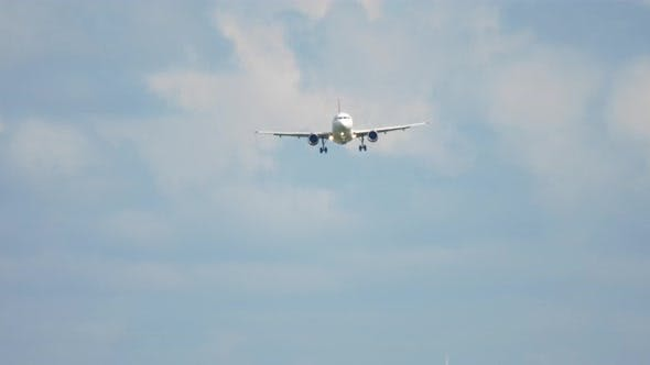 Thumbnail for Jet Airplane Approaching