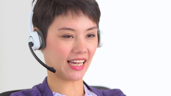 Thumbnail for Chinese businesswoman speaking with a client