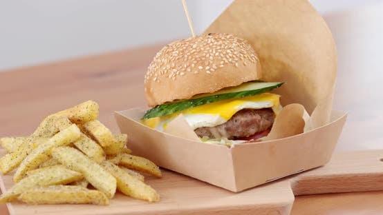 Thumbnail for Burger und Pommes