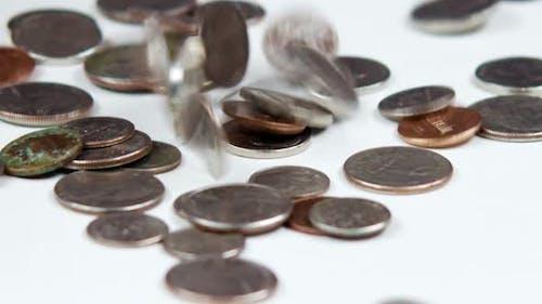 Clip von fallenden Münzen.