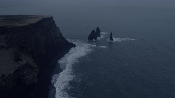 Thumbnail for Reynisfjara Cliff and the Pillars