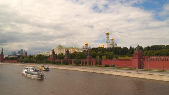 Thumbnail for Moskauer Fluss in der Nähe des Kremls