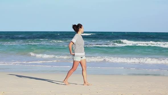 Thumbnail for Frau auf dem Meer