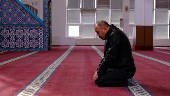 Muslim Beten zum Ramadan