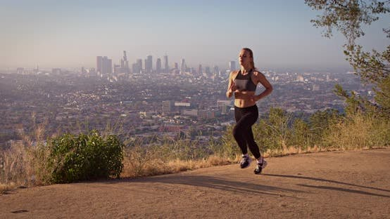 Thumbnail for Coupe Femme Jogging Los Angeles Slow-Motion