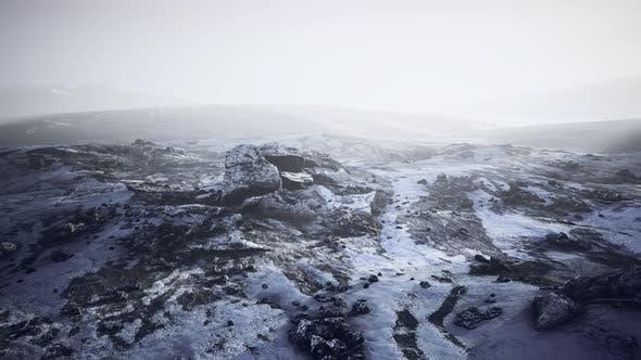Thumbnail for Montagnes Antarctiques avec neige dans le brouillard