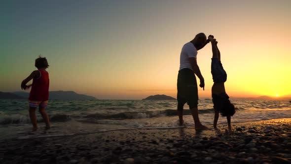 Cover Image for Enjoy Beach