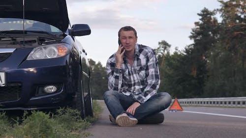 Guy fordert Hilfe nach Auto-Vorfall