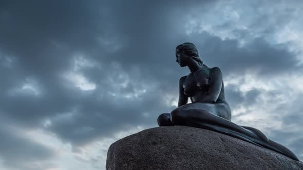 Thumbnail for Timelapse of Clouds Over the Little Mermaid Statue