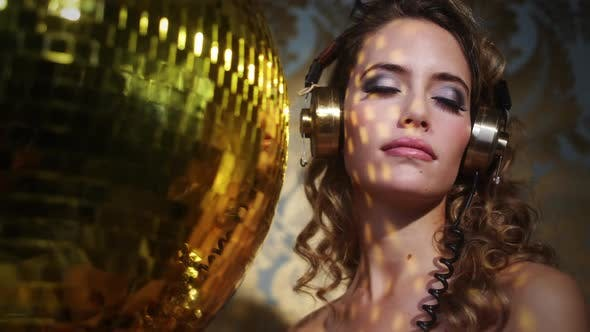 Thumbnail for Gold babe gogo dancer diva party disco woman