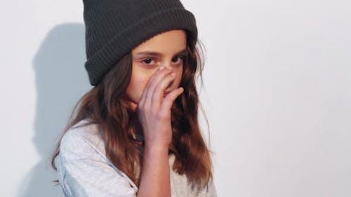 Beleidigtes Kinderverhalten Bestrafung Trauriges Mädchen Weinen