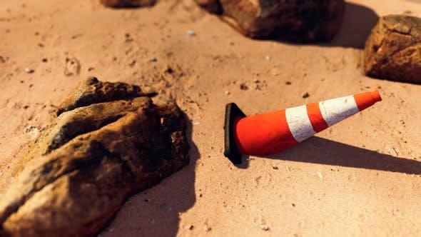 Traffic Safety Kegel am leeren Sandstrand