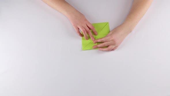 Thumbnail for Origami Crown. White. Time Lapse