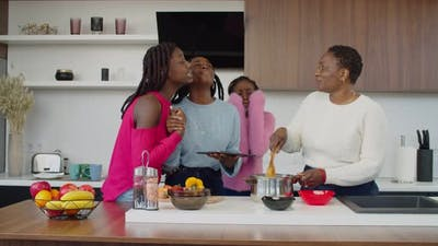 Black Daughters Begging Mom to Cook Meal From Internet