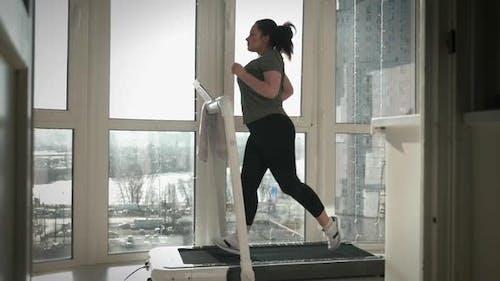 Running on treadmill for weight loss
