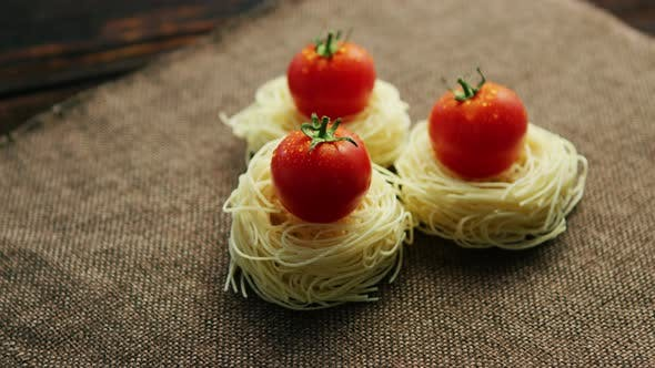 Rolled Spaghetti with Tomatoes