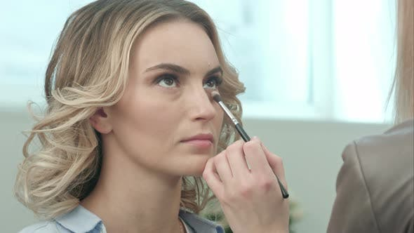 Thumbnail for Using Makeup Brush To Apply Eye Shadows