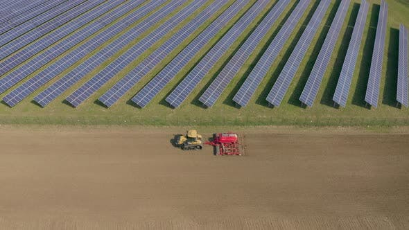New Age Solar Farm Adjoining A Traditional Arable Farm