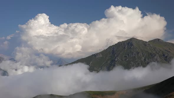 Cloud Movements in High Terrestrial Mountain Climate