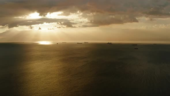 Thumbnail for Sonnenuntergang über dem Meer in Manila Bay