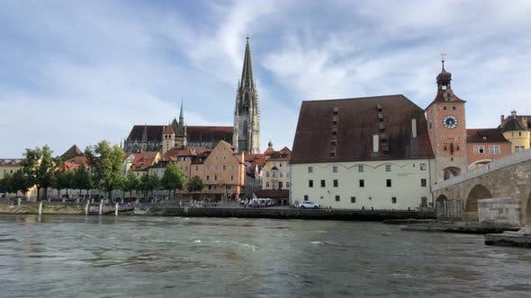 Thumbnail for Time lapse from the Danube river with the St Peter Cathedral