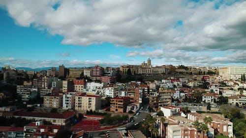Spanische Küstenstadt von oben gesehen