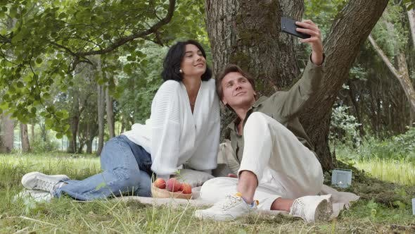 Thumbnail for Couple on Picnic