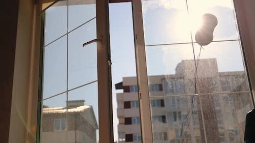 A Robot That Washes Windows