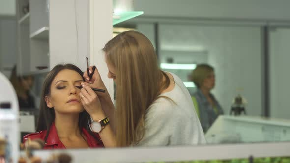 Cover Image for Beautiful Girl in a Beauty Salon