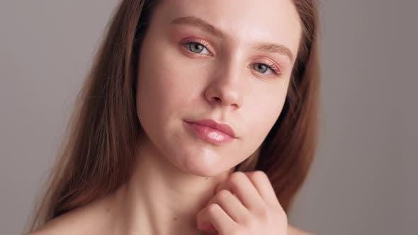 Pretty Woman Perfect Skin Pastel Color Makeup