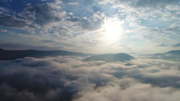 Thumbnail for Schöne Wolken über Karpatien